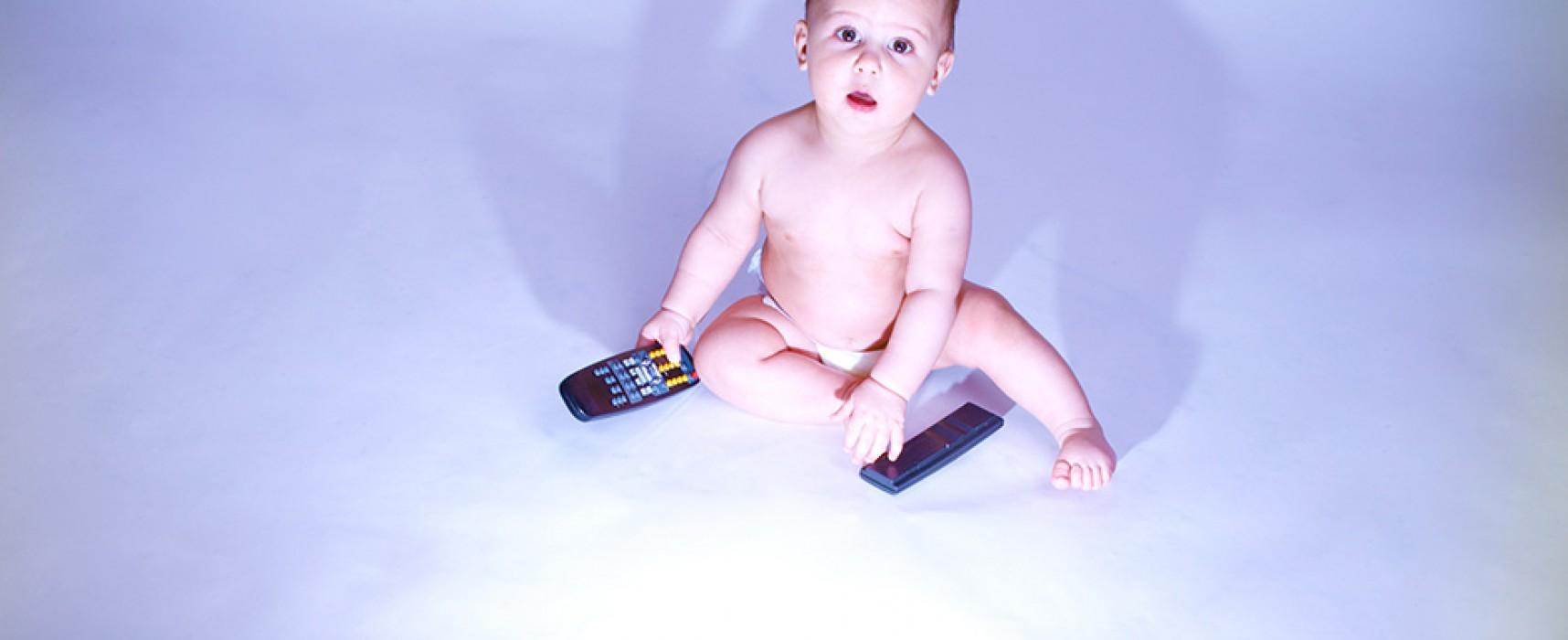 Os efeitos da exposição da TV no desenvolvimento dos bebês