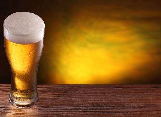 Brasileiro está bebendo mais e fumando menos, diz pesquisa